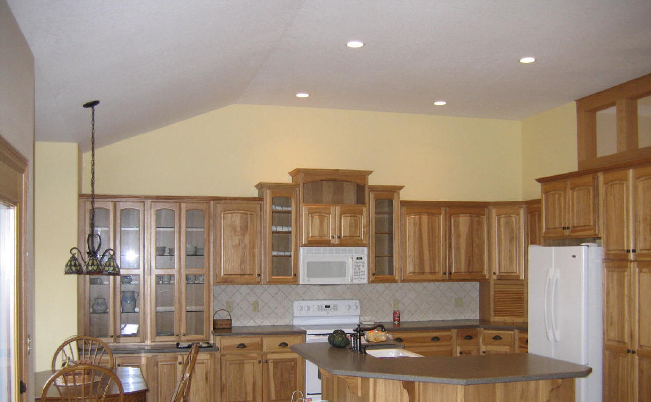 Amish made kitchen cabinets kitchen cabinet hutch amish for Amish kitchen cabinets pennsylvania